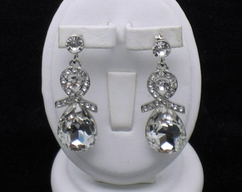 Sparkling Vintage Crystal Rhinestone Dangle Post Pierced Earrings