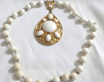 """Vintage Gold Tone  Metal and White bead necklace with pendant 19"""" long"""