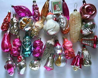 Vintage Christmas Decorations Glass Baubles Ornaments set of 25 Set 5 1970s from Russia Soviet Union USSR
