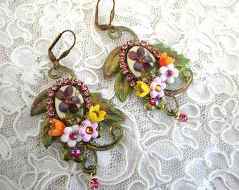 Purple earrings, earrings violets