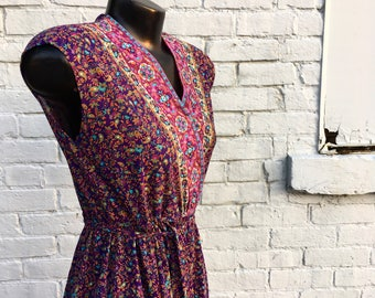 Vintage 70s Plum Purple Sleeveless Dress with Flowers in a Knit Crepe  small