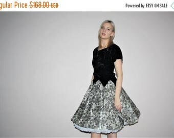 On SALE 35% Off - 1940s Black Velvet and White Lace 50s Pinup Bombshell Prom Party Dress - Vintage 1950s Pinup Bombshell Cocktail Dresses -
