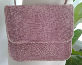 80s STEGIO for Trotting—Pink Leather Messenger Bag—Flat Shape—Leather Textured to Look Like Alligator—Suede Texture