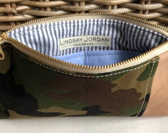 Dark army green, black, brown canvas CAMOUFLAGE & tan sheepskin LEATHER wristlet pouch: light blue pockets | black, white seersucker lining