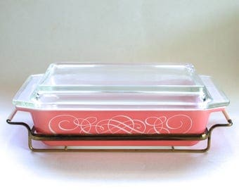 Vintage Pyrex Pink Scroll Promotional Cinderella Space Saver Dish with Original Lid and Cradle #575! Rare!