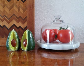 Avocado salt and pepper shakers, vintage kitchen, kitch FREE SHIPPING