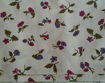 Vintage Floral Print on Cream Background 6 Yards X1153 Will Divide