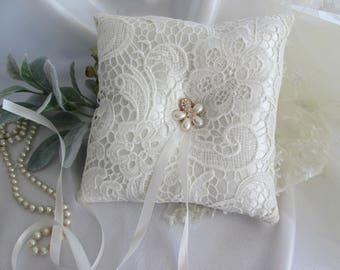 Ivory ring pillow, wedding ring pillow, Ivory lace ring pillow, flower ring pillow, elegant ring pillow, ring bearer pillow