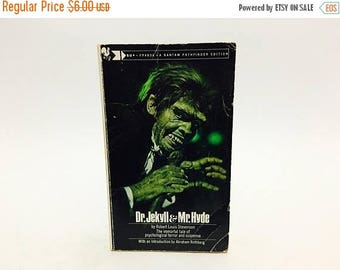 SUMMER BLOWOUT Vintage Horror Book Dr. Jekyll and Mr. Hyde by Robert Louis Stevenson 1973 Classics