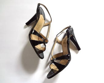 1970s Open Toe High Heels vintage black patent leather strappy disco pumps - size 8.5