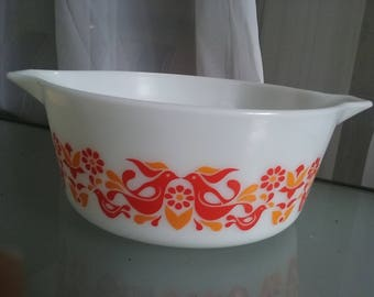Pyrex Friendship Casserole Dish, Vintage Serving Dish, White with Red Birds, 1970's, Doves, No Lid, Fun and Colorful Design