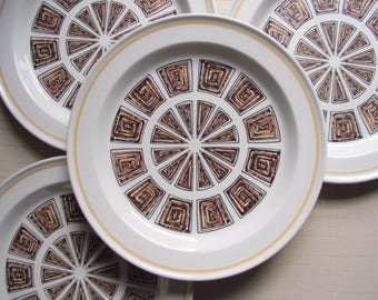 Retro Dinner Plates , Ridgway Andorra , Geometric Maze Pattern , Brown White Dinner Plates , Modern Dinnerware