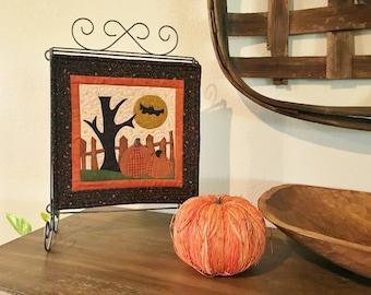 Appliqued Mini Quilt / Pumpkin Patch / MW