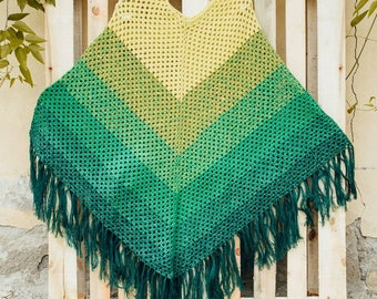 Forest green shade crochet poncho with fringes and 2 crochet flowers gift free sise ready to ship