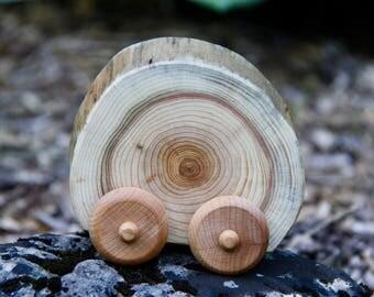 circle - ONE natural wood car made from cedar