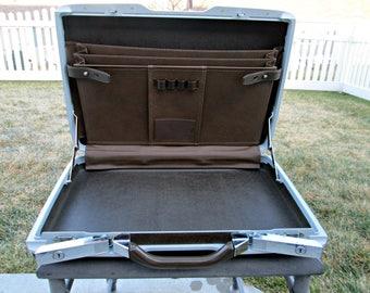 Vintage Matte Brown Samsonite Briefcase | Super Slim Hard Sided Clamshell Textured Attache Case | EXCELLENT! | VIP Briefcase