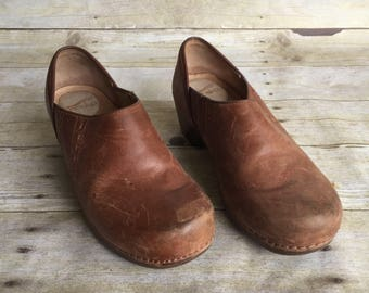 Vintage Brown Dansko Swedish Wooden Clogs Sandals- EU size 38 Size 5