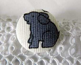 Button fabric with dog, 24 mm / 0.94 in diameter