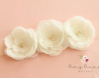 Ivory Chiffon Flower Bridal Sash, Ivory Bridal Belt, Ivory Wedding Belt, Off White Wedding Belt, Off White Bridal Sash