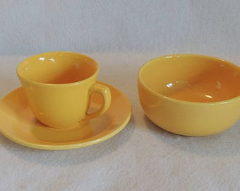 3 pcs Vintage Marked Bauer USA Yellow California Pottery.. Bowl, Cup & Saucer