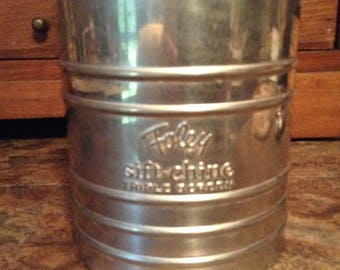 Floor Sifter - Vintage 1950's Sift Chine Triple Screen