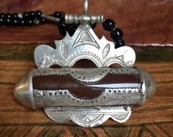 Silver Tuareg Carnelean Pendant Korkoro with Onyx Beads Necklace