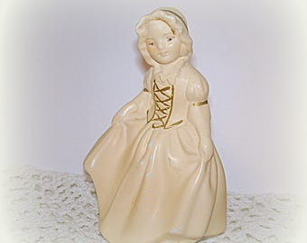 Colonial Girl Figurine Vintage Coventry Chalk Ware Collectible Home Decor Table Decor Knick Knack Americana Early American Country