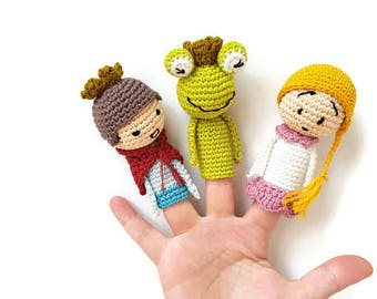 """Amigurumi Finger Puppets """"The frog King , """"The Princess and the Frog"""" crochet puppets, crochet finger theater, Grimm Story, Waldorf toys"""