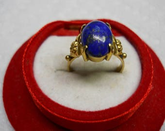 VINTAGE STERLING SILVER ring blue stone, a must see!