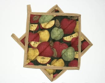 Quilted Pot Holders, Apples, Primitive, Folk Art Decor, Country Summer Kitchen Decor, Apple Decor, Red Green, Hot Pads, Coasters, Set Of 2