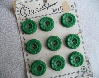 "Green flower buttons/ vintage set of 9 buttons on a card/ Quality buttons on a card size 3/4""/ flower sewing supply/ vintage green"