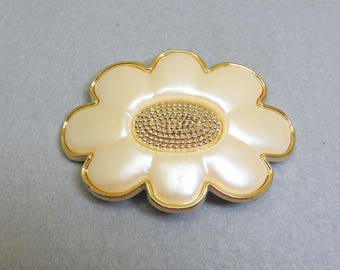 Large Vintage Pearlized Daisy Hair Barrette