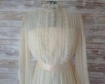 Vintage Wedding Dress, Cream Sheer and Lace Off White Dress, 1960's, Prairie and Vintage Wedding, Photo prop, costume