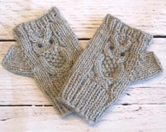 Grey Owl Fingerless Gloves in Pure Wool