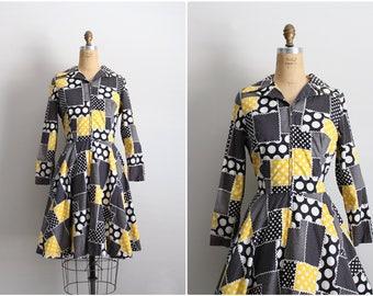 70s Honeycomb Dress / 1970s Dress / Collar Dress /Yellow and Black Dress / 70s Patchwork Dress / Size M/L
