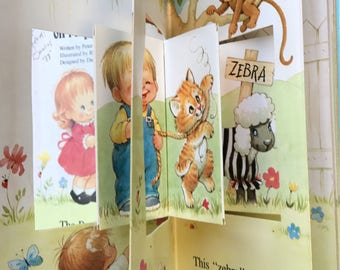 Vintage Book - The Backyard Zoo on Maple Street - Vintage POP OUT Book - Vintage Animals - Vintage Humor