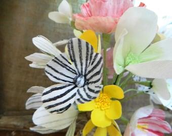 Woodland bouquet - Rustic tree slice holder - Handmade paper flowers