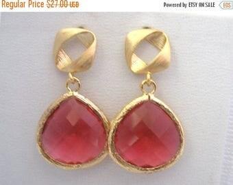 SALE Fuschia Earrings, Glass Earrings, Pink Earrings, Fuchsia Earrings, Square, Gold Earrings, Wedding, Bridesmaid Earrings, Bridesmaid Gift
