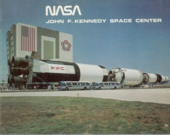 Circa 1976 NASA John F. Kennedy Space Center Promotional Brochure  pPhotographs, Drawings Artist's Concept of Space Shuttle,  Vintage Book