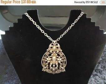 Now On Sale Vintage Gold Necklace 1950s 60s 70s Mad Men Mod Old Hollywood Glam
