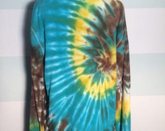 Turquoise thermal spiral tie dye long sleeve shirt size L