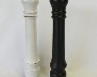 Salt Shaker and Pepper Mill Grinder, Salt and Pepper in Wood, Vintage Distressed Farmhouse, Black and White - Shabby or Cottage Chic