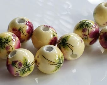 10 mm Pale Yellow Flower Porcelain Beads (.ai)