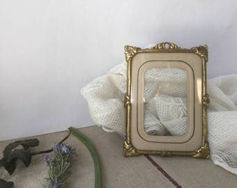 French vintage frame In pressed brass, 19th, Napoléon 3 III frame for picture