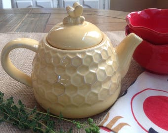FREE SHIPPING Adorable Bumble Bee Teapot Honey Bee Teapot Honeycomb Teapot Sur La Table