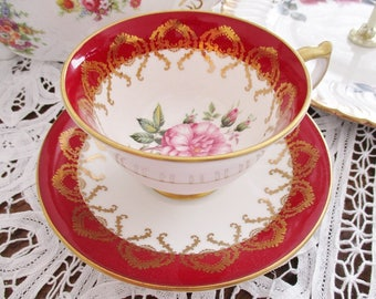 AYNSLEY RED TEACUP and saucer set, holiday red and gold teacup set, Christmas teas, excellent condition