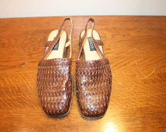 size 6,Bass Leather Shoes,womens shoes,size 6,bass shoes,woven leather shoes,woven leather sandals,leather shoes woman,leather sandals