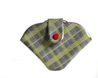Tartan Plaid Sewing Mending Kit Purse Travel Sewing Notions Vintage Green Grey and Black Plastic Snap Front Heavy Vinyl Clutch