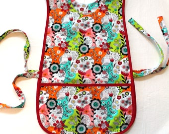 Retro Cobbler Smock Style Cotton Apron with two pockets - Whimsical Floral pattern with red trim