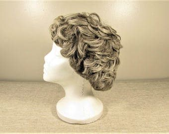 Gray Wig - Vintage Curly Wavy Short Length